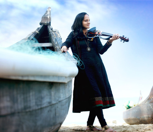 Roopa Revathi the lady Violinist